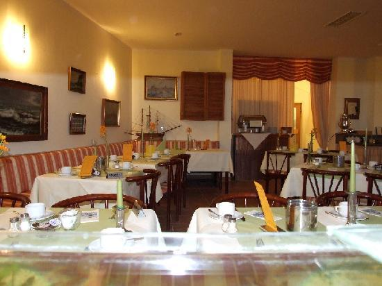هوتل بيلفيديري: Restaurant