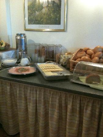 Hotel Belvedere: Liebevolles Frühstücksbüffet 1