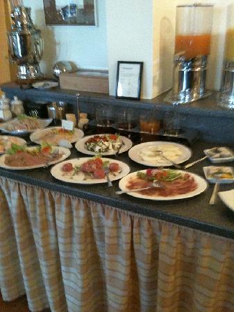 Hotel Belvedere: Liebevolles Frühstücksbüffet 2