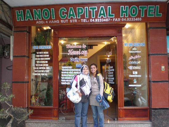 Hanoi Capital Hotel: In front of hotel