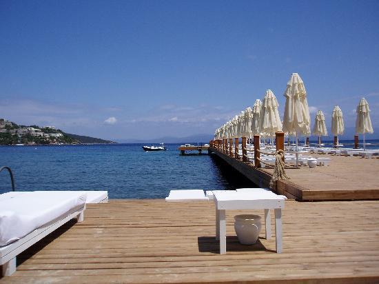 Voyage Turkbuku: Sunbathing jetty