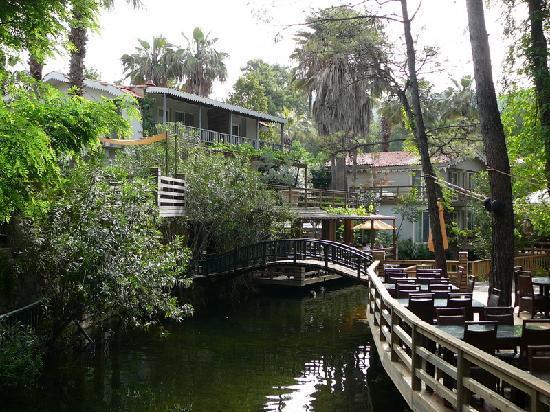 Golden Key Bordubet: The beautiful riverside restaurant area
