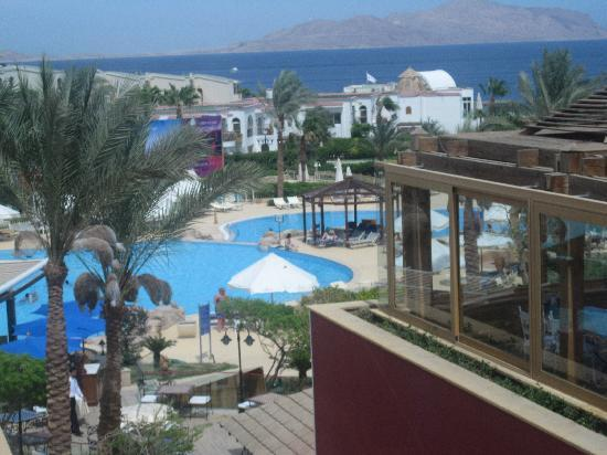 The Royal Savoy Sharm El Sheikh: restaurant view