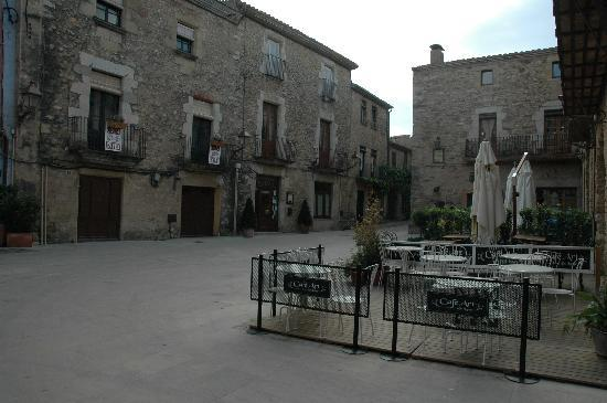 Hotel El Cau de Papibou: peratadella