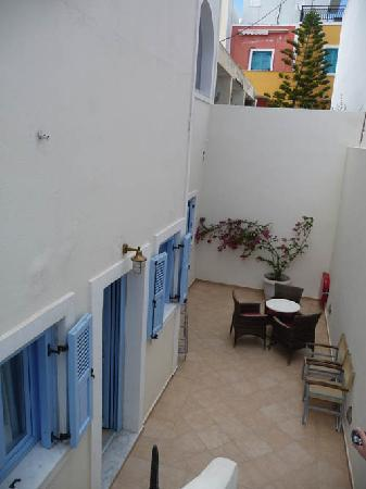 Villa Roussa: Short flight of stairs to our room below street level