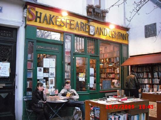 Paryż, Francja: Shakespeare & Company - English bookstore, Paris