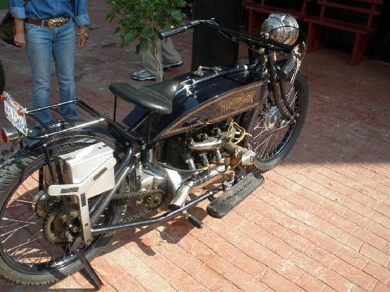Maggie Valley, NC: Henderson inline 4 cylinder