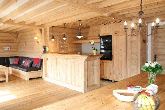 La Cordee: Kitchen/Dining room
