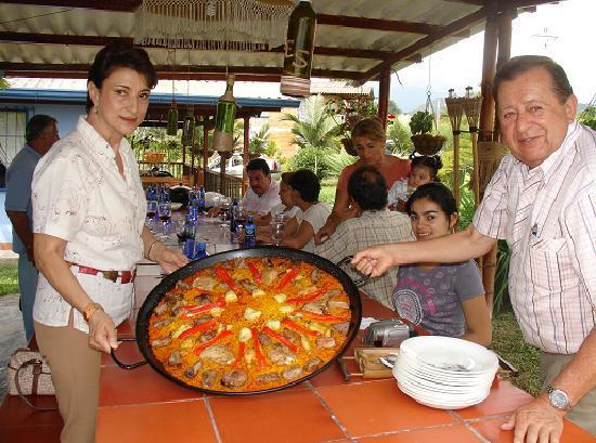 Cabanas turisticas tres as santa rosa de cabal colombia for Cocina tradicional espanola