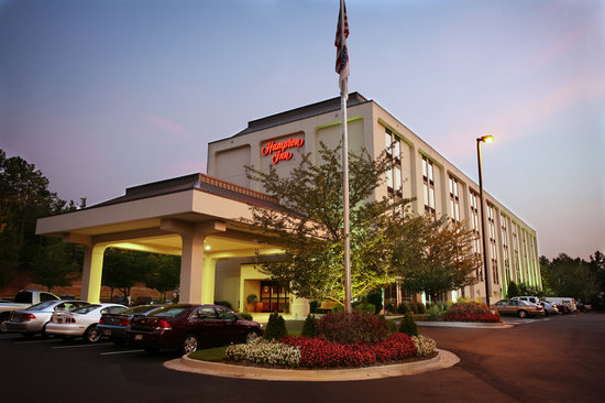 Hampton Inn Atlanta / Peachtree Corners / Norcross : Let us be your beacon! We'll be waiting up for you, 24 hours a day.