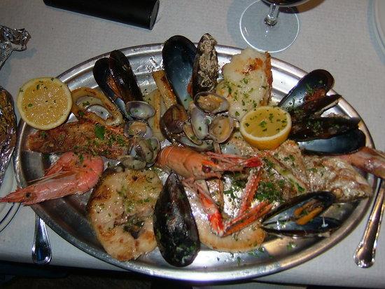 Restaurante la casa rustica en fuengirola con cocina otras - Cocinas fuengirola ...