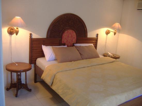 Segara Agung Hotel: standard air cond