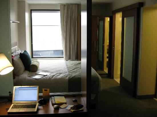 SpringHill Suites Louisville Downtown: room view
