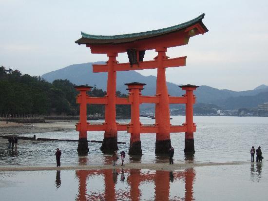 厳島神社, 鳥居
