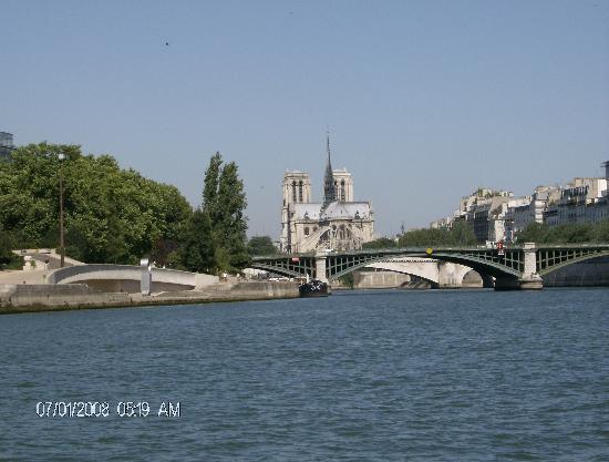 Paris, Prancis: The Sienne River tour