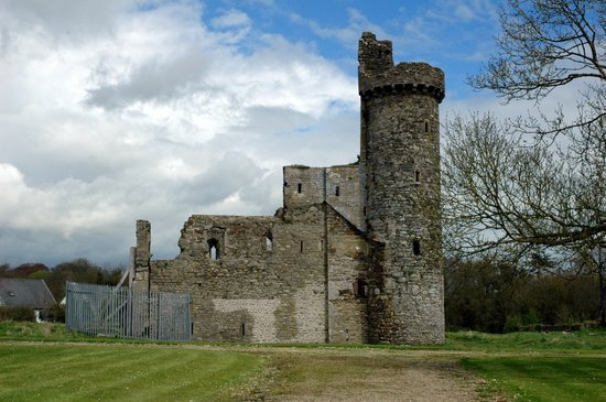 Fethard On Sea, Ierland: Fethard Castle, Co. Wexford