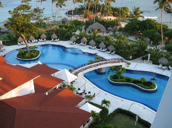 Luxury Bahia Principe Cayo Levantado: a piscina principal...