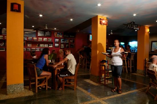 Cafe Playa Negra: the restaurant