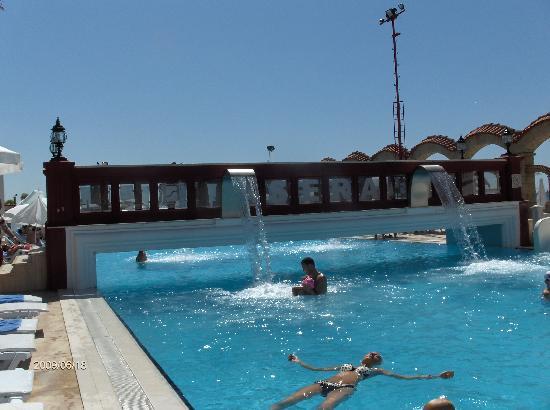 Club Hotel Sera: salty pool
