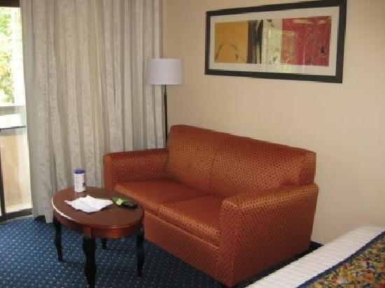 Baymont Inn & Suites Columbia Northwest: Sitting Area
