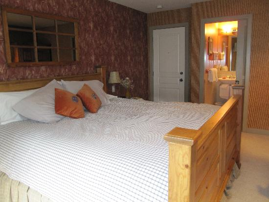 Buffaloberry Bed and Breakfast : Oatmeal & Chaff Bedroom