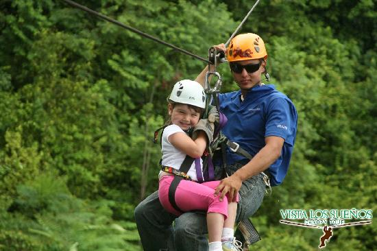 Herradura, Costa Rica : Zip lining in Costa Rica