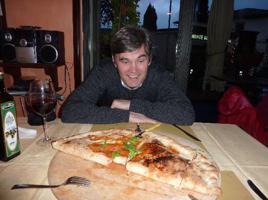 La Bottega Di Giovannino: Calzone for 2 at Pizza Pie