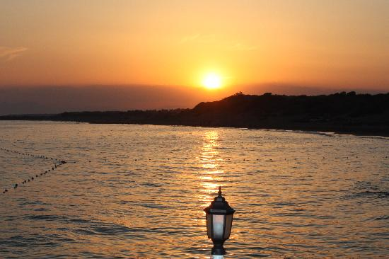 SENTIDO Turan Prince: Sunset from the pier