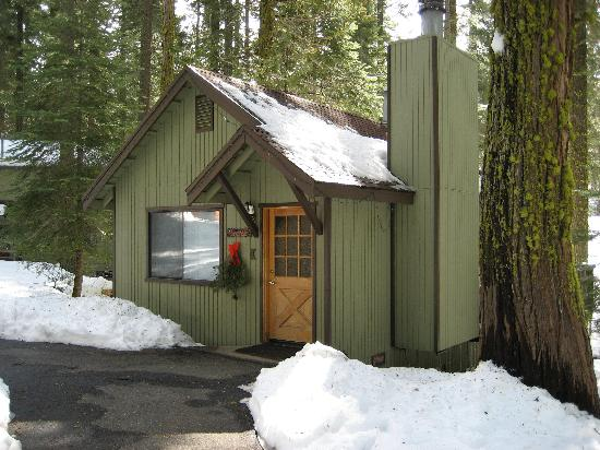 Pinecrest Chalet: Our cabin