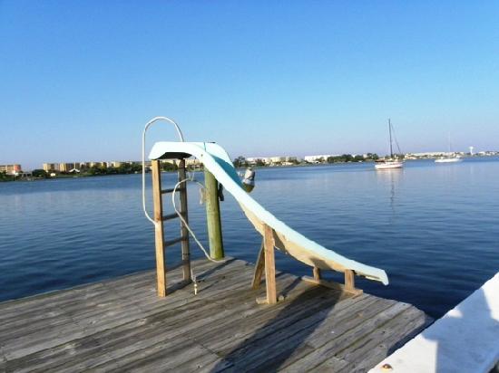 Aunt Martha's Bed & Breakfast: Dock with slide