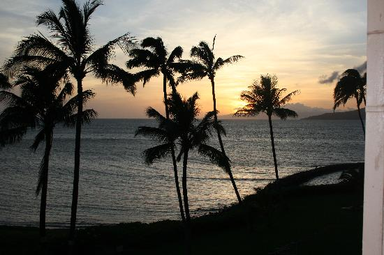 Menehune Shores Oceanfront Maui Condos: from our bedroom