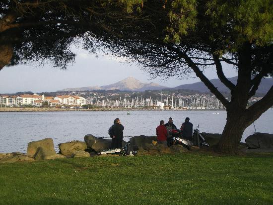 Caserio Gure Ametsa : Vista de Hondarribia