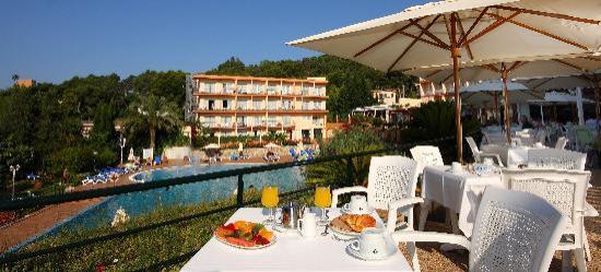 Valentin Park Clubhotel: Terraza