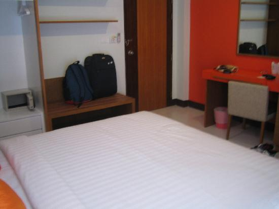 ‪‪Baramee Hip Hotel‬: another view of standard room‬