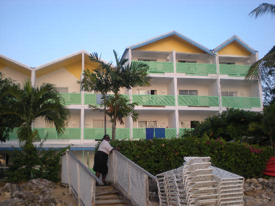 Holetown, Barbados: The hotel looking from the sea