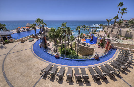 Welk Resorts Sirena Del Mar: View of blue ocean from lobby