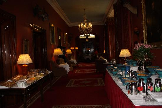 Dromoland Castle Hotel: Breakfest buffet or menu items great!