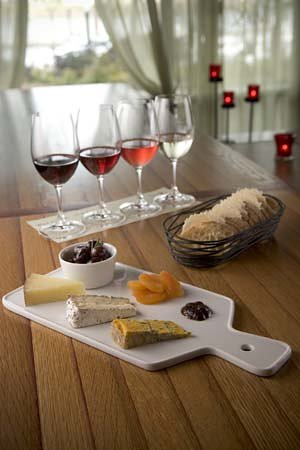 Thirst Wine Bar and Shop: Wine & Cheese Flights
