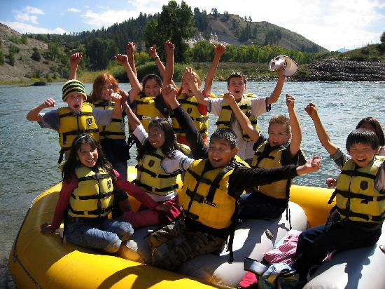 Mad River Boat Trips : Local students enjoy a day on the river!