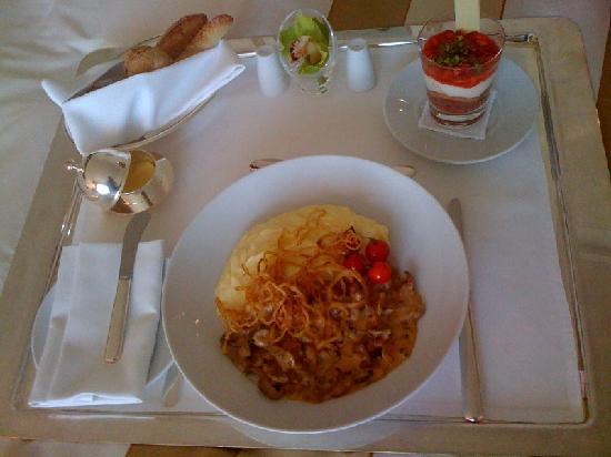 Ararat Park Hyatt Moscow: Room Service food