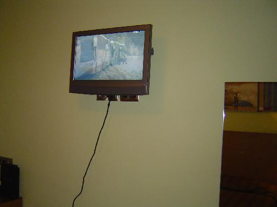 Hotel 4C Puerta Europa: TV