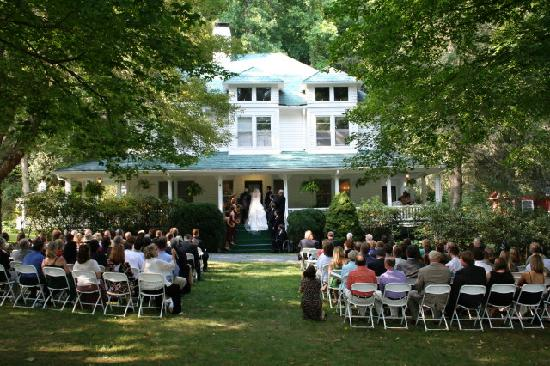 Wedding at The Taylor House Inn