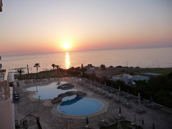 SunConnect Protaras Beach - Rising Star Hotel: what a veiw early from room