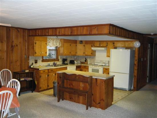 White Whale Motel : Kitchen