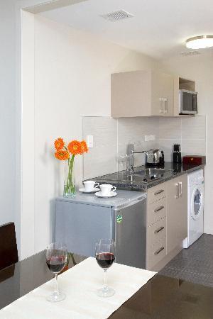 Apollo Hotel Rotorua: One Bedroom Kitchenette