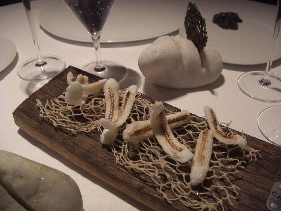 El Celler de Can Roca : Anchovis amuse