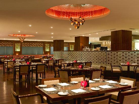 Hilton Garden Inn New Delhi / Saket: India Grill - All Day Dinning Restaurant