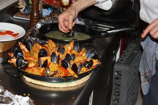Tapas Plaza : Ondanks dat het een Thais restaurant is kun je ook andere maaltijden bestellen