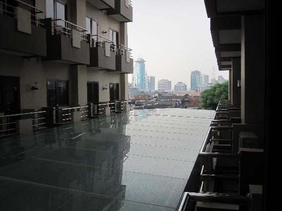 Prasada Mansion: room