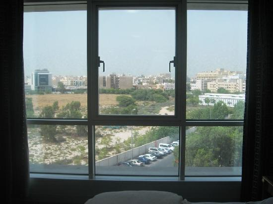 Residence Deira: Back Side VIew From Room - Dubai Cemetery 1